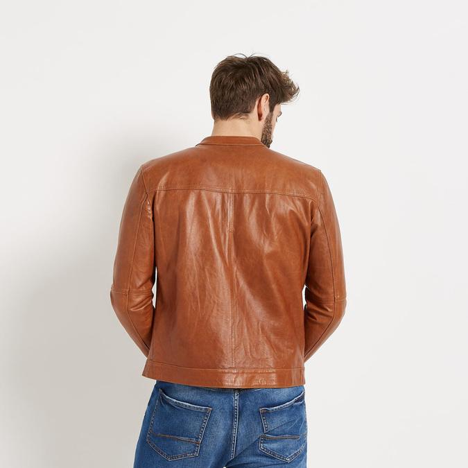 Pánska kožená bunda so štýlovým prešívaním bata, hnedá, 974-3142 - 26