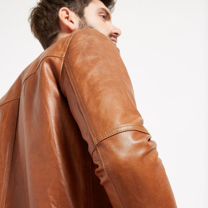Pánska kožená bunda so štýlovým prešívaním bata, hnedá, 974-3142 - 16