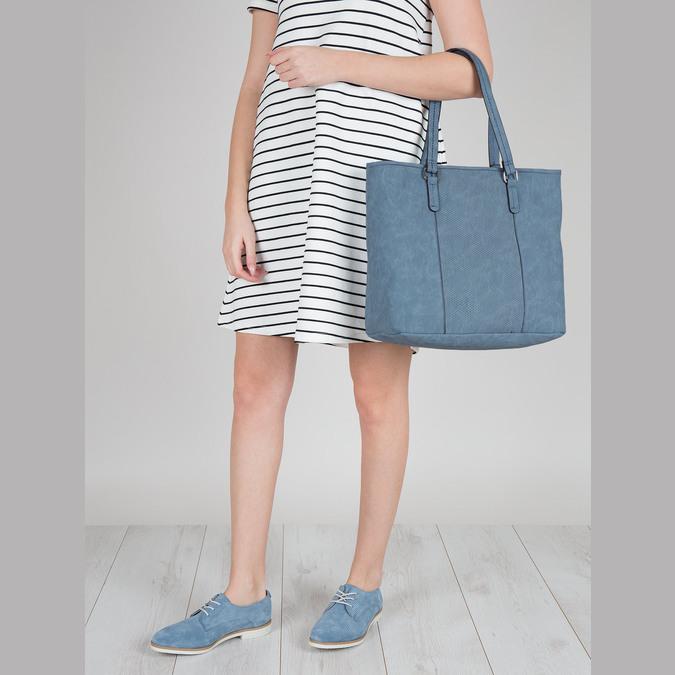 Modrá kabelka s perforovaným detailom bata, modrá, 961-9711 - 17