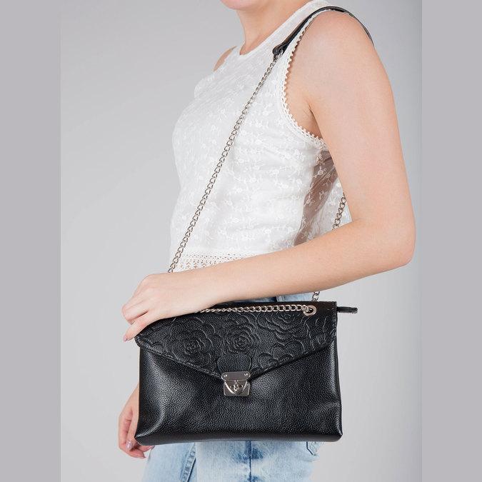 Menšia čierna kabelka s klopou bata, čierna, 961-6731 - 17