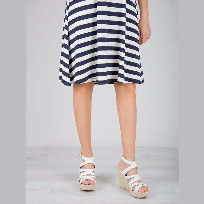 Sandále na platforme bata, biela, 759-1603 - 18