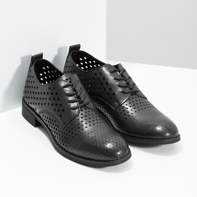 Dámske poltopánky s výraznou perforáciou bata, čierna, 521-6610 - 26