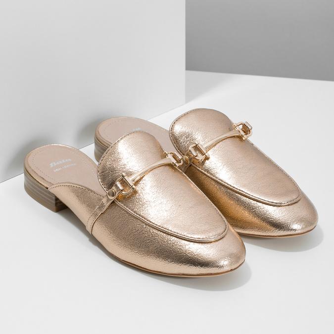 Dámske nazouváky s prackou bata, zlatá, 511-8609 - 26
