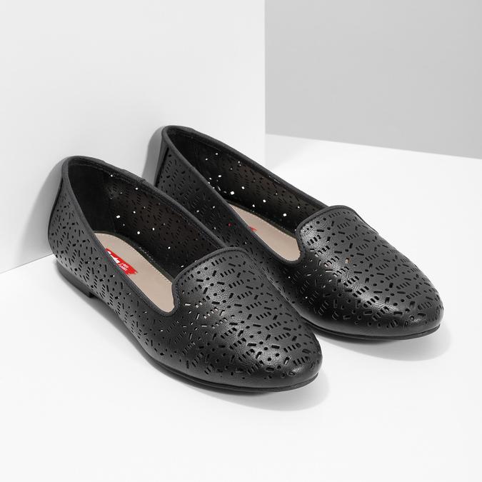 Čierne dámske baleríny s perforáciou bata-red-label, čierna, 521-6612 - 26