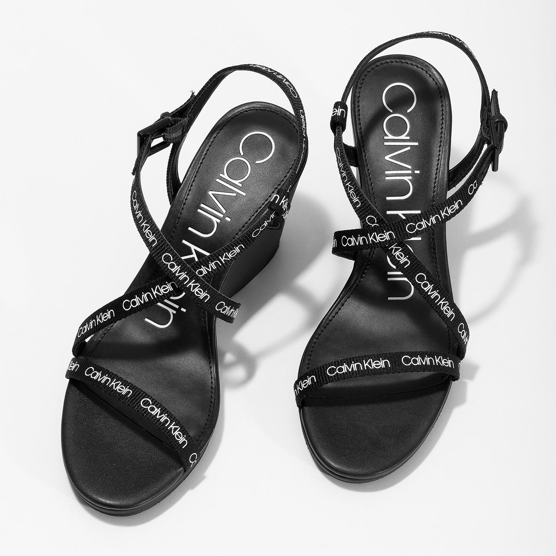 9f1a6b12ac Calvin Klein Čierne dámske sandále na platforme s nápismi - Na ...